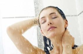 الغسل المتكرر للشعر  يؤدي لأضرار بالغة