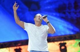 عمرو دياب يغني في الساحل الشمالي