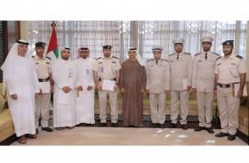 7 عناصر من شرطة أبوظبي ينضمون  إلى «الكاتب العدل» الحكومي