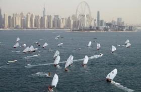 أولى جولا ت القوارب الشراعية 43 قدما في دبي اليوم