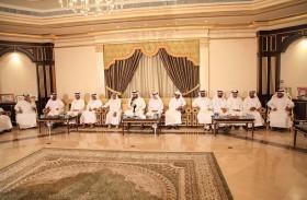 مجلس المحيان بمدينة الذيد يشيد بقيادة الدولة وبإنجازاتهم في عام زايد