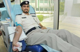 شرطة أبوظبي تنفذ مبادرة تبرع بالدم احتفاء باليوم العالمي