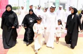 عبدالعزيز النعيمي ونورة الكعبي يطلقان فعاليات المخيم الصيفي الثقافي