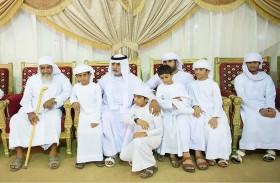 نهيان بن مبارك يعزي أسرة الشهيد محمد الحسانى في الفجيرة
