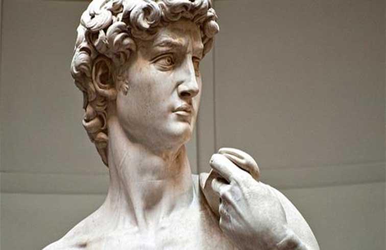 نصف مليون يورو لإزالة غبار عن تمثال
