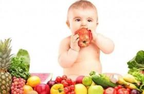 هذه فائدة الفواكه  لطفلك الرضيع