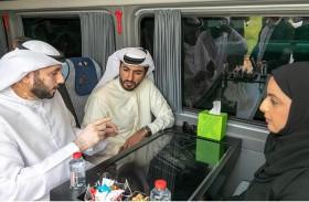 راشد النعيمي يدشن أول حافلة ذاتية القيادة تسير في شوارع عجمان