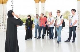 115 ألف مصل وزائر لجامع الشيخ زايد خلال العيد