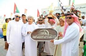 عمان 44 بطل «المجموع العام» لقوارب التجديف 30 قدما