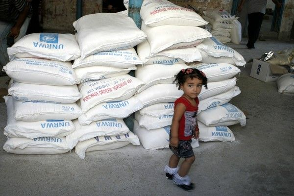 ثلث الفلسطينيين يتلقون مساعدات غذائية