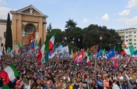 المعارضة الإيطالية تقود مظاهرة مناهضة للحكومة