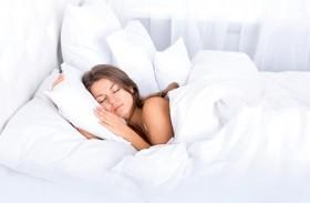 حقائق وخرافات حول العوامل المؤثرة على النوم