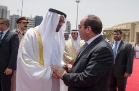 محمد بن زايد يغادر القاهرة والسيسي في وداعه