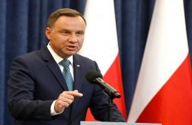 رئيس بولندا يرد تعديلات قانونية تمس القضاء
