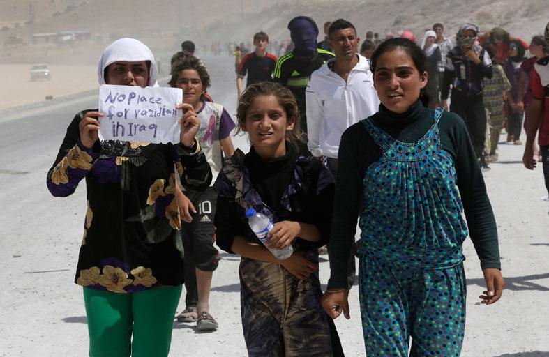النازحون الأيزيديون يفضلون الموت على الحياة!