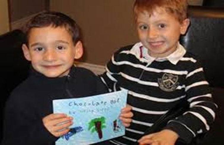 طفل يجمع 600 ألف دولار لعلاج صديقه