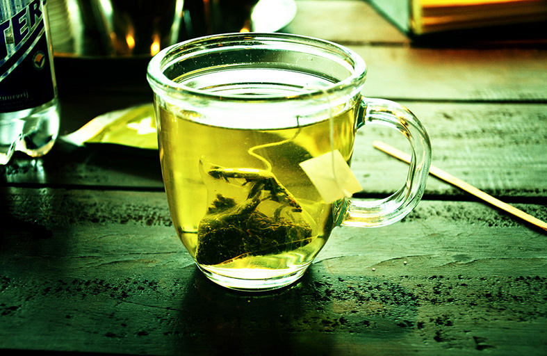 الشاي الأخضر يضعف مفعول دواء للضغط