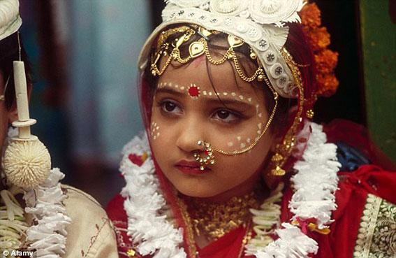 زفاف فتيات في سن السابعة