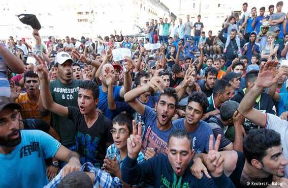 فوضى في محطة قطارات بودابست مع تفاقم أزمة المهاجرين في أوروبا