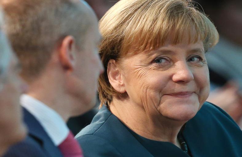ميركل مستشارة لألمانيا لولاية ثالثة