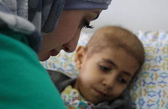 القافلة الوردية وبنك أبوظبي التجاري تنظمان حملة خيرية لجمع التبرعات لصالح مرضى السرطان