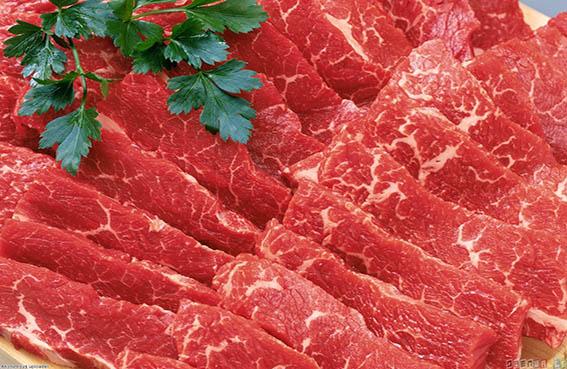 الإفراط في تناول اللحوم  الحمراء يسبب الأرق