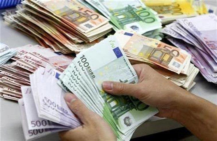 يدفع 30 مليون يورو للقاء عائلته