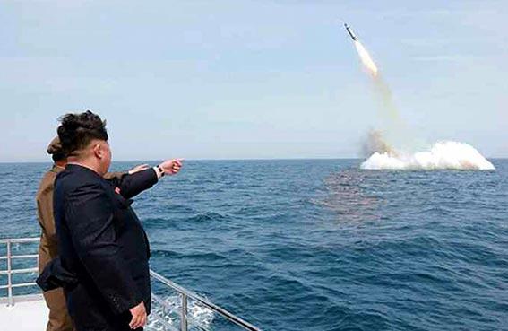سيئول ترصد تحركات الجيش الكوري الشمالي بعد اطلاقه صاروخا باليستيا من غواصة