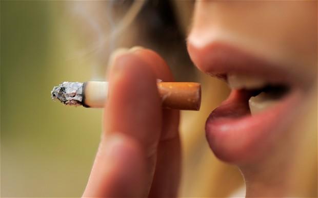 سيجارة في اليوم تضاعف خطر وفاة المرأة بالسكتة القلبية المفاجئة