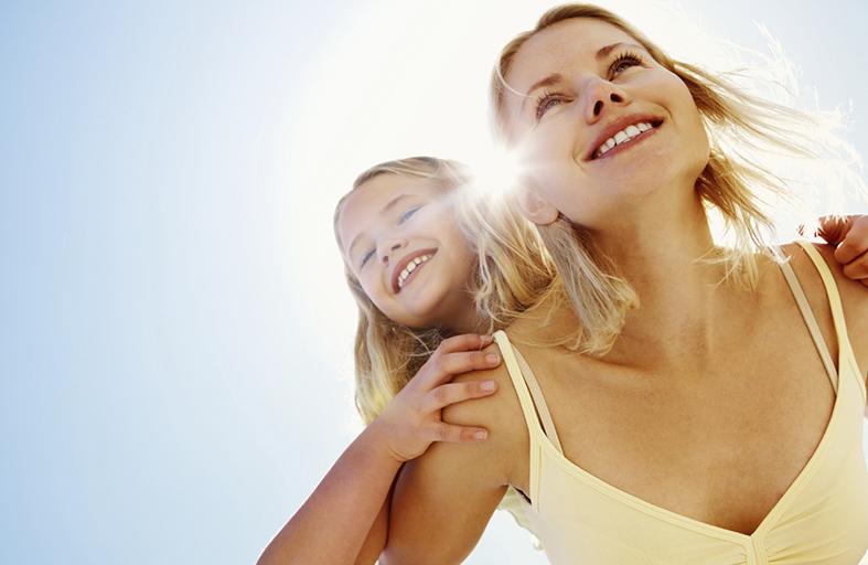 كيف تمنحين طفلك السعادة والثقة بالنفس?