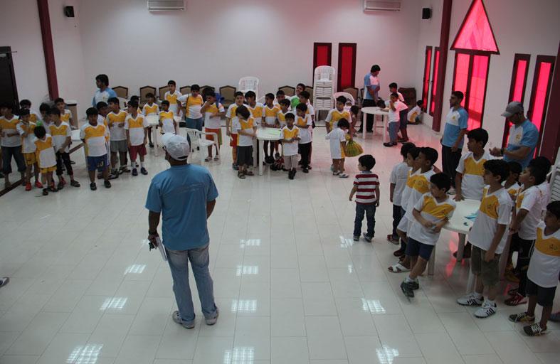 نادي الحمرية ينظم برامج ثقافية واجتماعية لمشاركيه في ملتقى الحمرية الصيفي