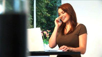 البريطانيون يستخدمون الموبايل للتواصل مع أسرهم داخل منازلهم!!